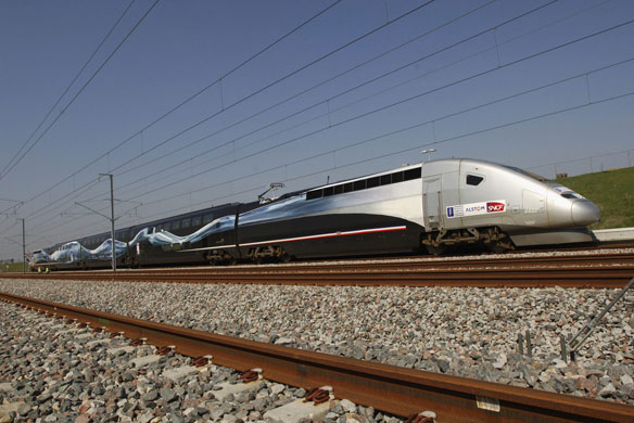 Click on this picture to see video of the World Train Speed record by one TGV at over 570 Km/h