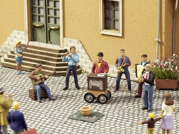 Noch NO12820 Street Musicians for H0