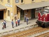 Noch NO12900 On the Platform for TT