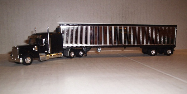 Trucks N Stuff CCR9211 Coronado Tractor with Reefer Trailer