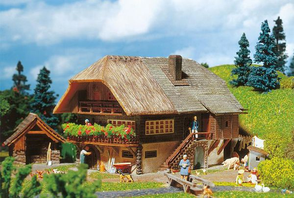 Faller 131379 Black Forest Farmhouse