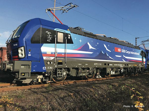 Fleischmann 739390 Electric locomotive BR 193 HUPAC