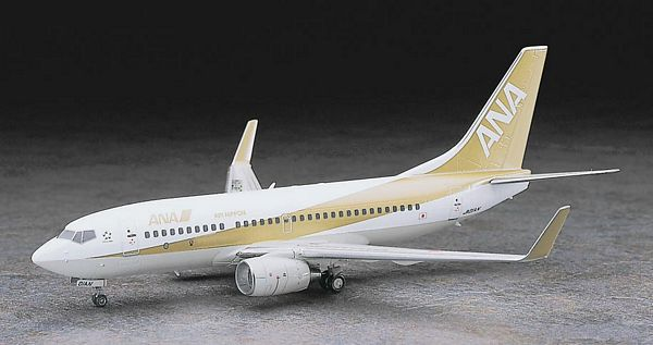 Hasegawa 10735 1-200 ANA Boeing B737-700 New Tooling Limited Edition