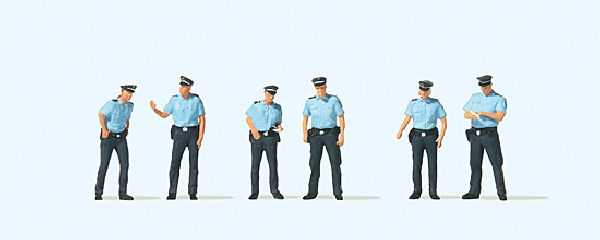 Preiser 10743 Police Summer Uniform Germany