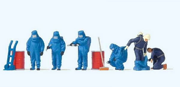 Preiser 10729 Firemen with Blue Chemical Resistant Suits