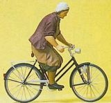 Preiser 45068 Farmers wife on bicycle