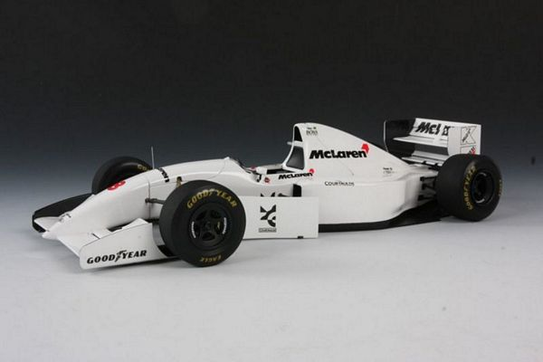 Tamiya 25172 McLaren Ford MP4/8