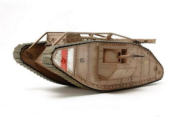 Tamiya 30057 WWI British Tank Mk IV Male