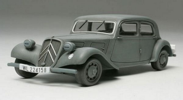 Tamiya 32517 Citroen 11CV Staff Car