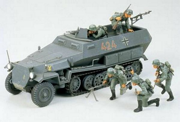 Tamiya 35020 German Hanomag Sdkfz 251-1 Kit