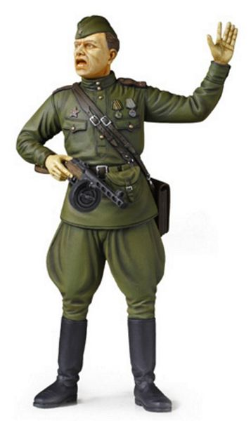 Tamiya 36314 1-16 Russian Field Commander