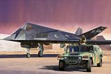 Tamiya 89773 F-117A Nighthawk and U.S. Modern